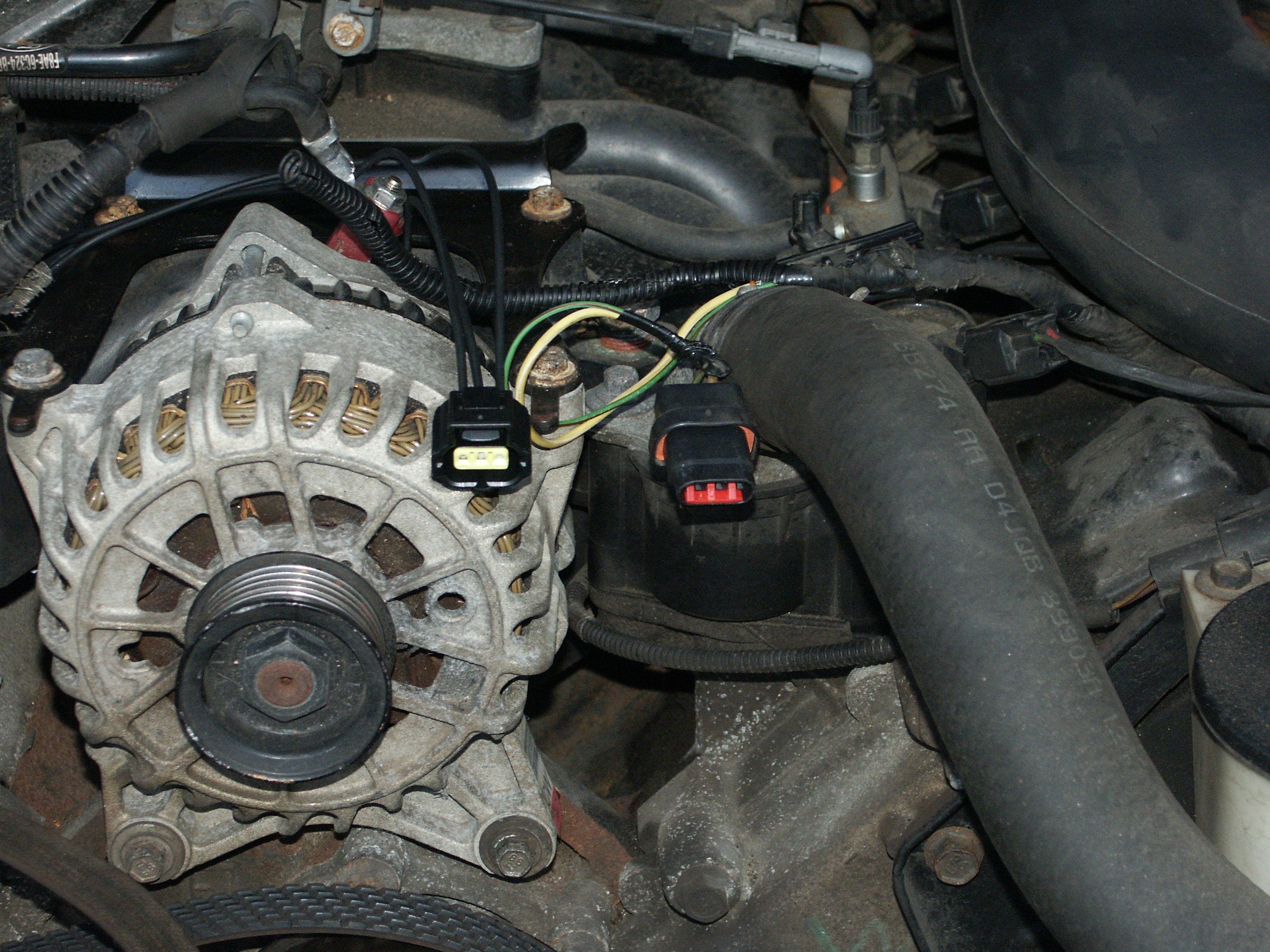 PICT3267 crown victoria alternator 4g \u003e 6g upgrade ford 6g alternator wiring diagram at gsmx.co