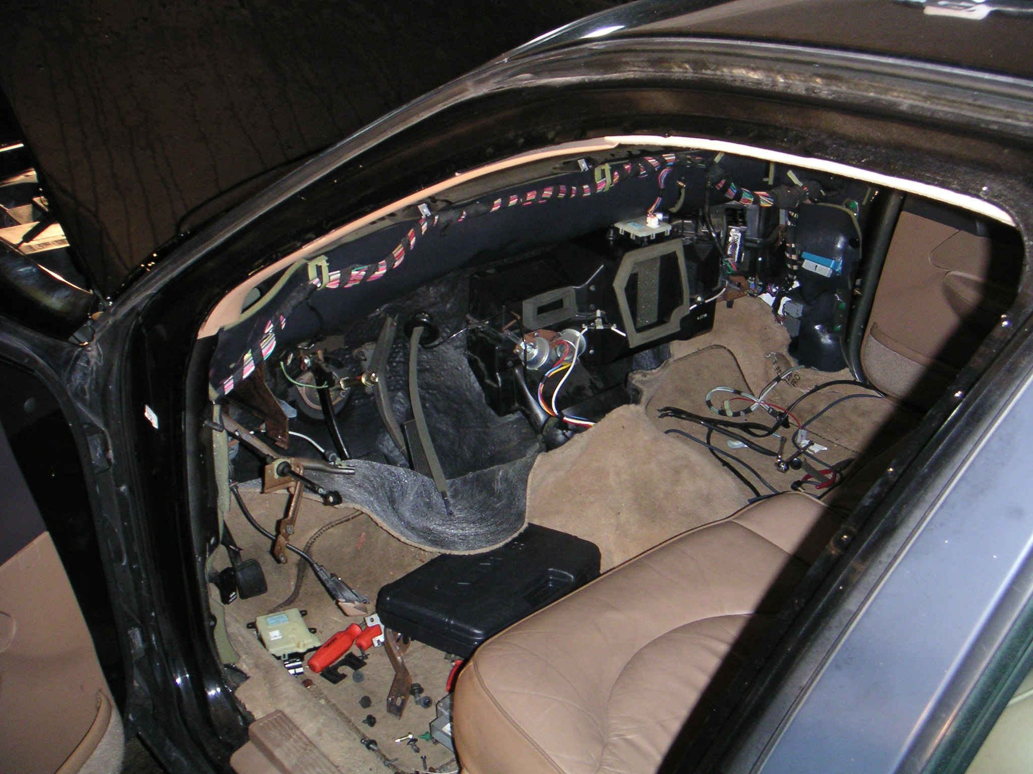 Ford Crown Victoria Dashboard Pictures 1992 Grand Marquis Engine Diagram A Lot Of The Electrical Connectors Need To Be Seperated Under Hood Prior Removing Dash