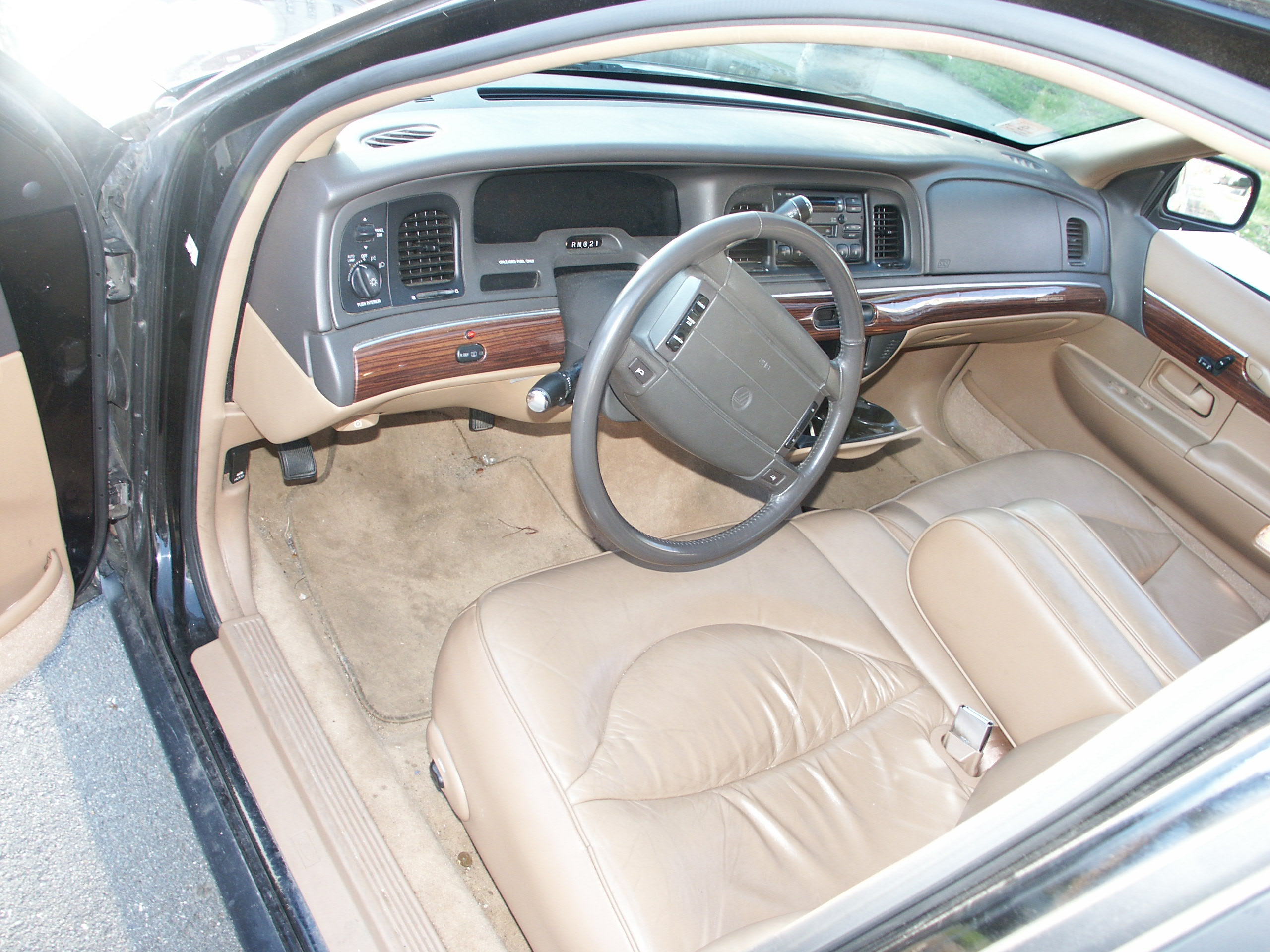 the project car is a 1995 mercury grand marquis loaded with most of the  optional equipment avaliable that model year including: -digital  speedometer cluster