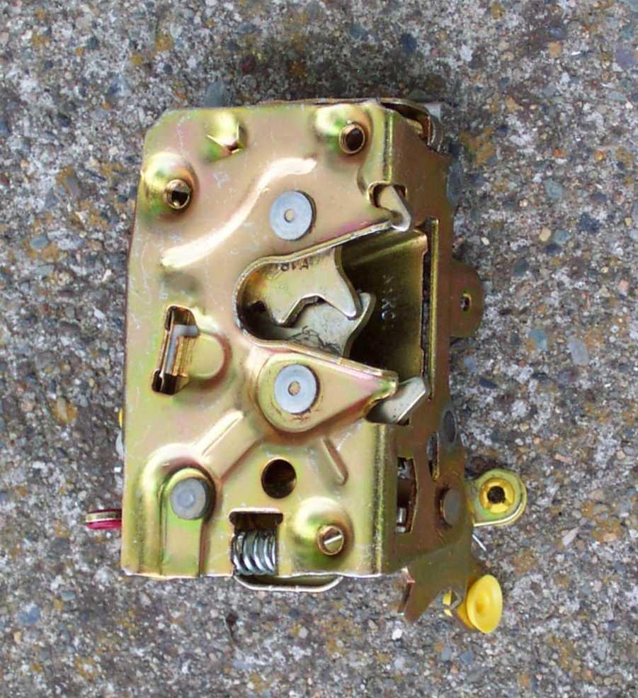 & Crown Vic Door Latch Info pezcame.com
