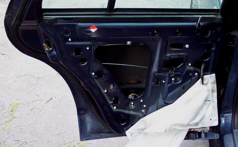 driverdoor19 ford crown victoria police interceptor p71 rear door parts crown victoria door lock wiring diagram at gsmx.co